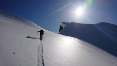 チロル|立山や富山のバックカントリーを満喫するプライベートガイド|富山県