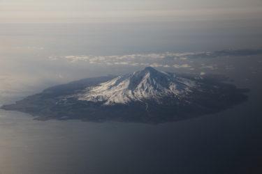 利尻自然ガイドサービス|360度海に囲まれたドリームフィールドで海にドロップイン|北海道