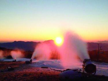 「スキー場マニアへの道」 ~降雪機&造雪機の巻~|後編 |その力でシーズンがいよいよ幕開けとなる!