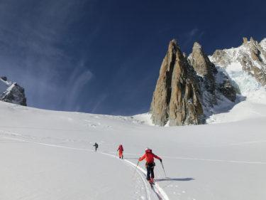 国際山岳ガイド加藤直之|国内外でメカナイズド(ヘリ・キャット)からスキーツアー&マウンテニアリングまでバリエーション豊かなガイディング|北海道