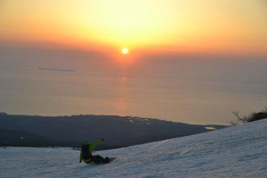 この春~初夏まで滑れる山とバックカントリーツアー!|鳥海山・月山・八幡平・利尻山・立山・乗鞍岳・白馬までまとめて紹介!