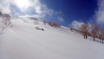 バックカントリーの魅力と始め方 & 初心者向けツアーのあるBCガイドクラブ スキー&スノーボード